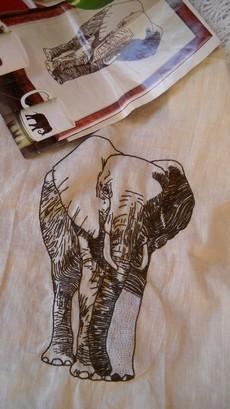 Broderie-Elephant--en-cours-.jpg