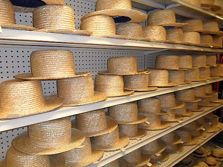 Chapeaux-amish.jpg